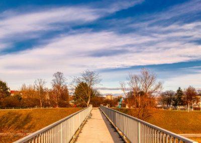 Brücke über Yachthafeneinfahrt