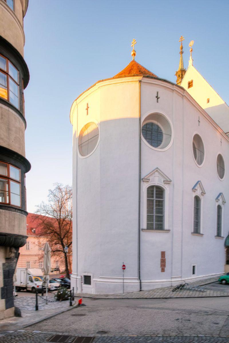 Donau-Universitt Krems - Biomedizinisches Labor fhrt PCR